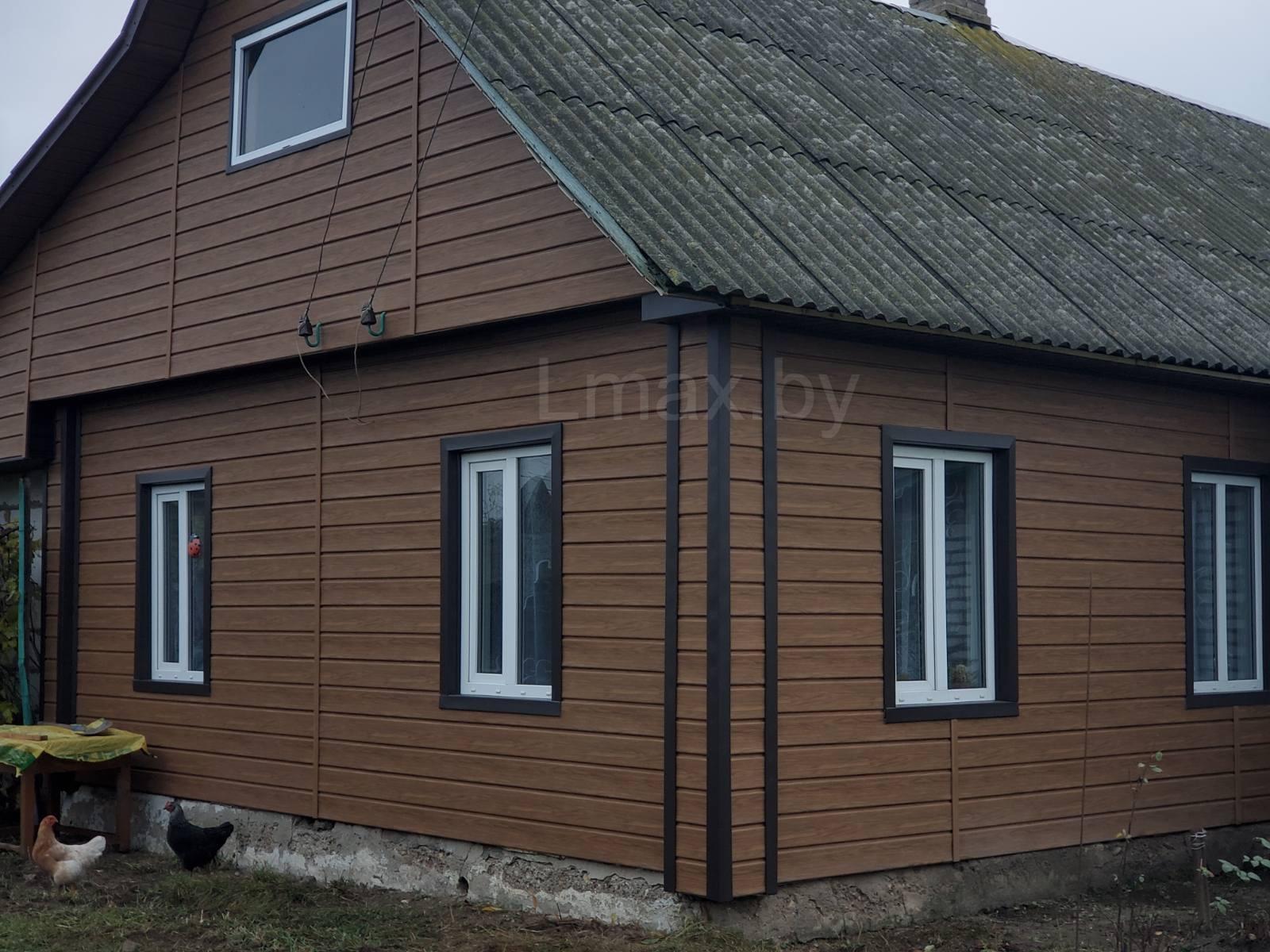 Дом обшитый сайдингом Имитация Бруса Деке Люкс цвет Миндаль